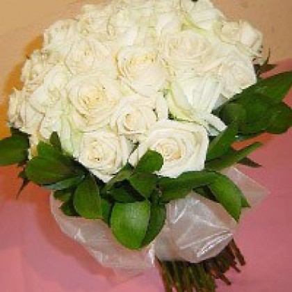 24 White Roses - Hand Bunch-420x420